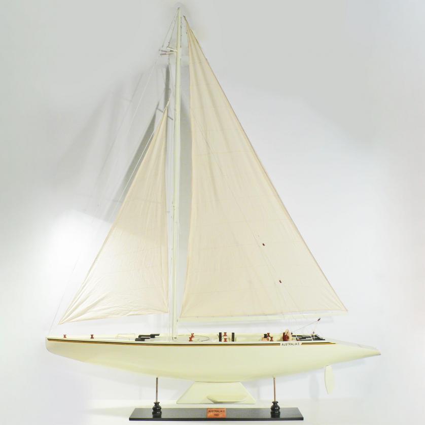 Handgefertigtes Schiffsmodell aus Holz der Australia 2