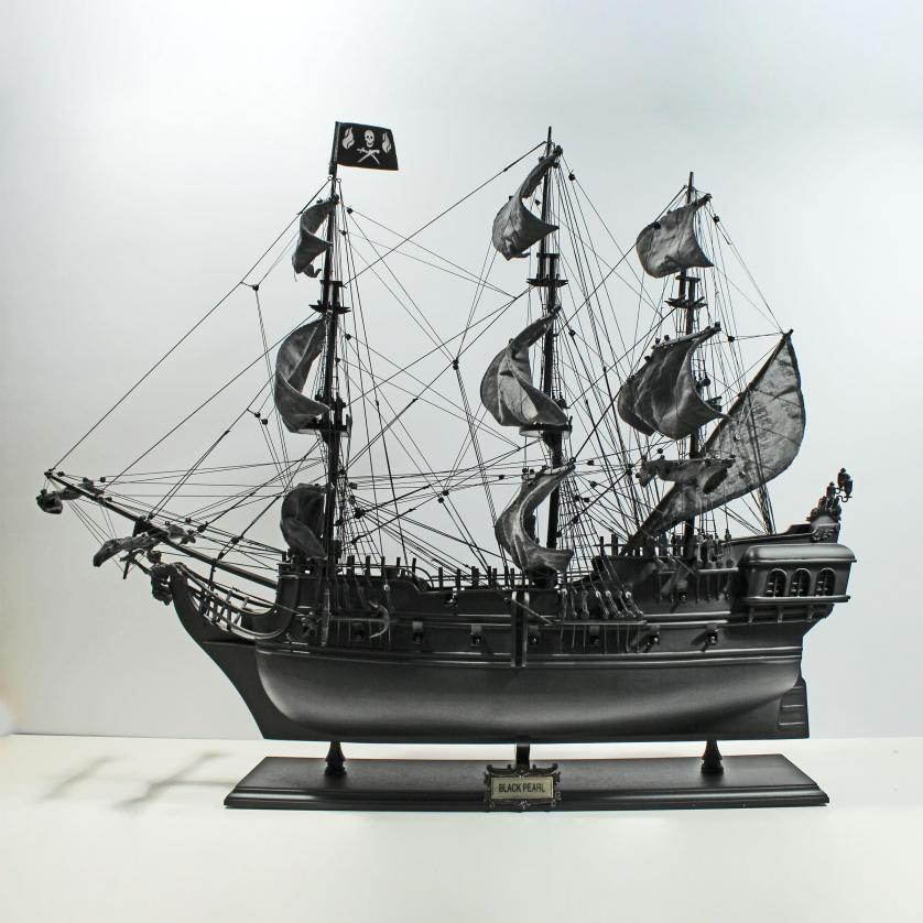 Handgefertigtes Schiffsmodell aus Holz der Black Pearl