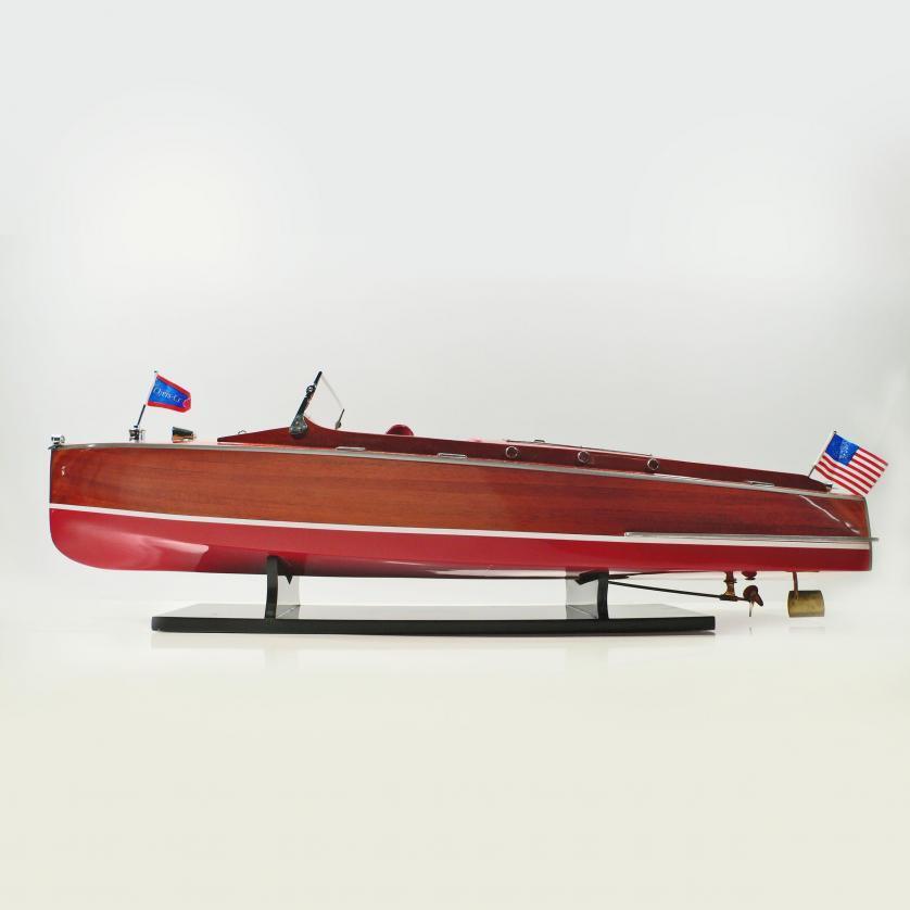 Handgefertigtes Schiffsmodell aus Holz der