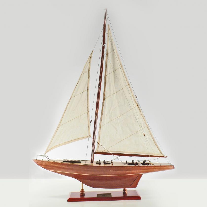 Handgefertigtes Segelschiffmodell der Constellation