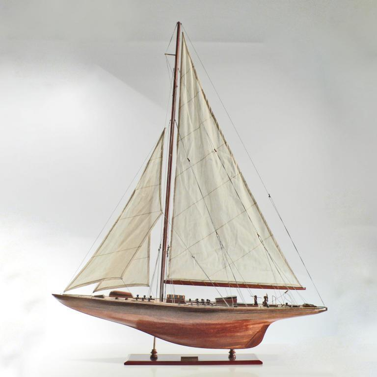 Endeavour-L100-01