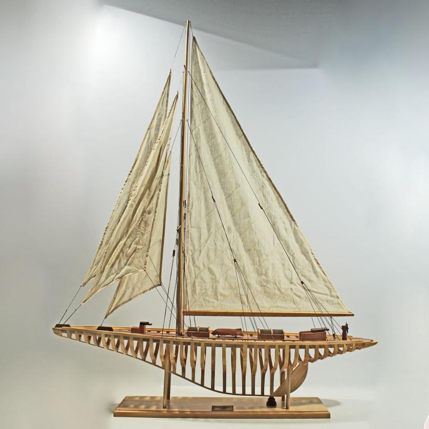 Handgefertigtes Schiffsmodell aus Holz der Shamrock