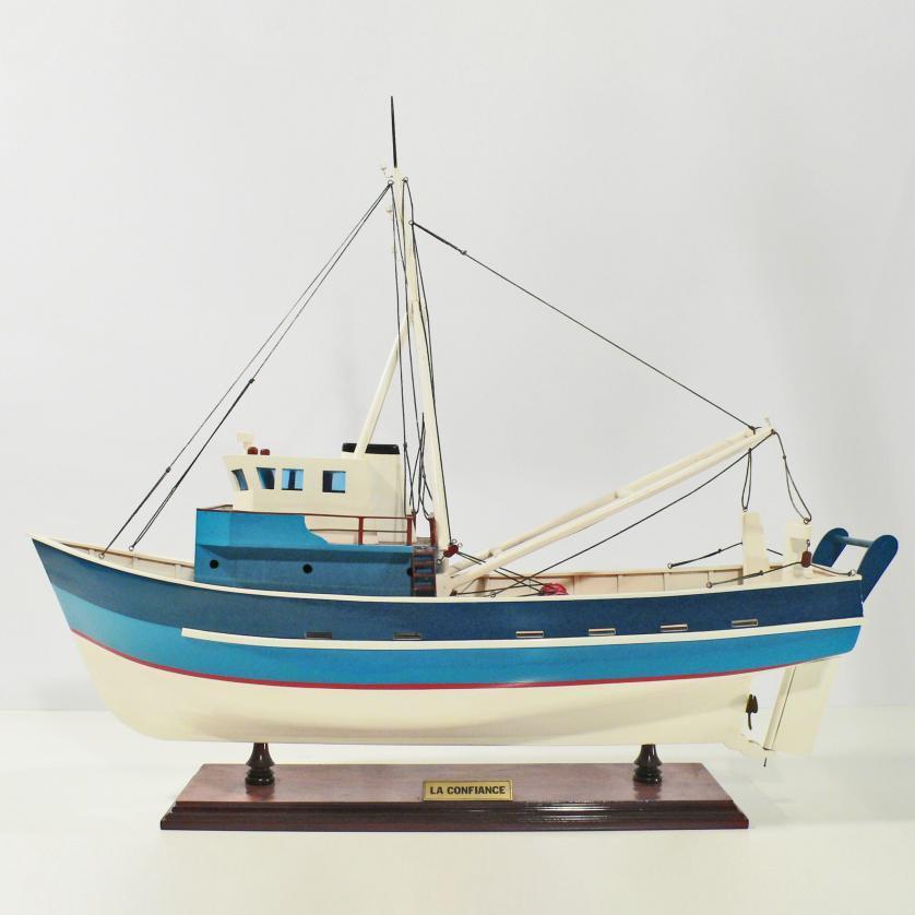 Handgefertigtes Schiffsmodell aus Holz der La Confiance