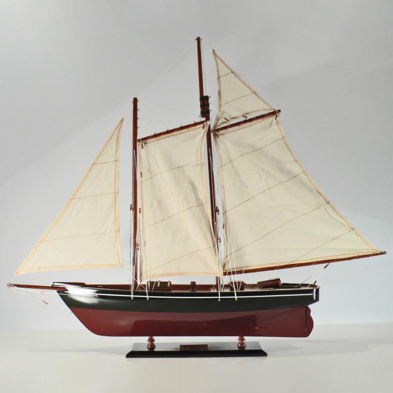 Handgefertigtes Segelschiffmodell der America
