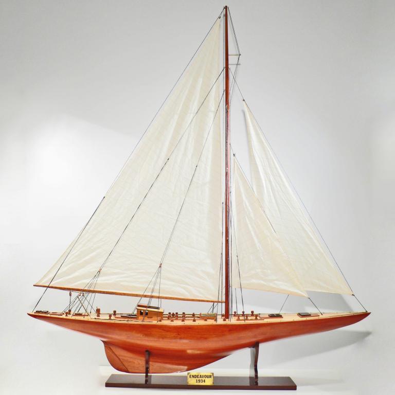 Handgefertigtes Segelschiffmodell der Endeavour (Holz, 150cm)
