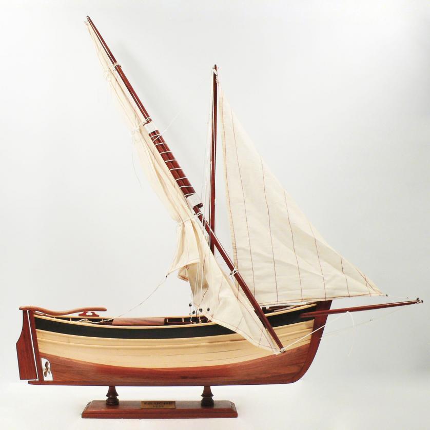 Handgefertigtes Segelschiffmodell der Filuche