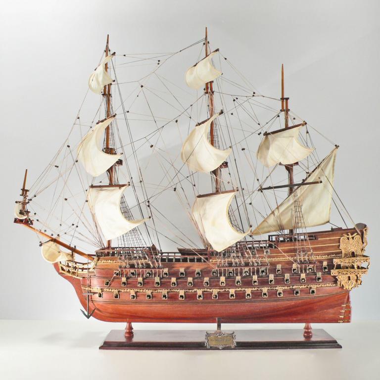 Handgefertigtes Schiffsmodell aus Holz der Le Saint Espirit
