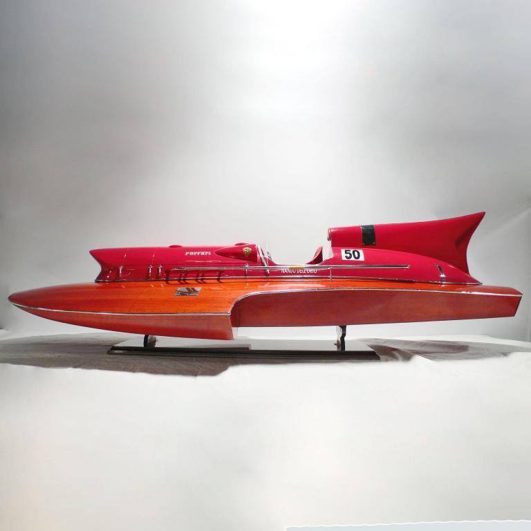 Handgefertigtes Schiffsmodell aus Holz des Ferrari Hydroplanes