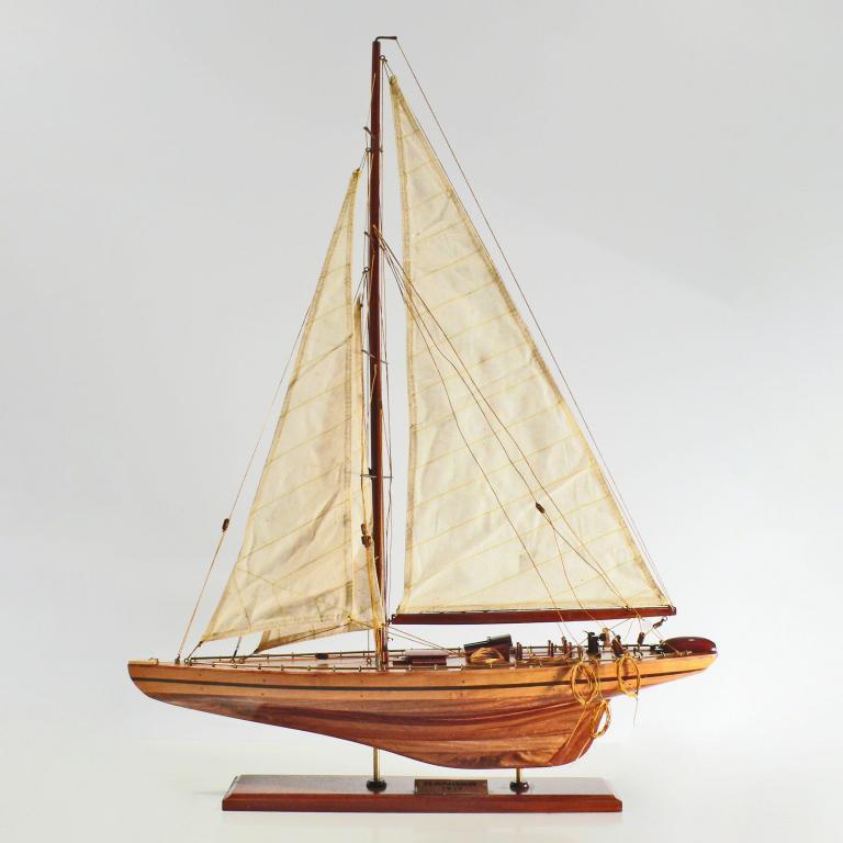 Handgefertigtes Schiffsmodell aus Holz der Ranger