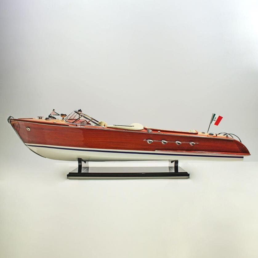 Handgefertigtes Schiffsmodell aus Holz der Riva Aquarama Replice