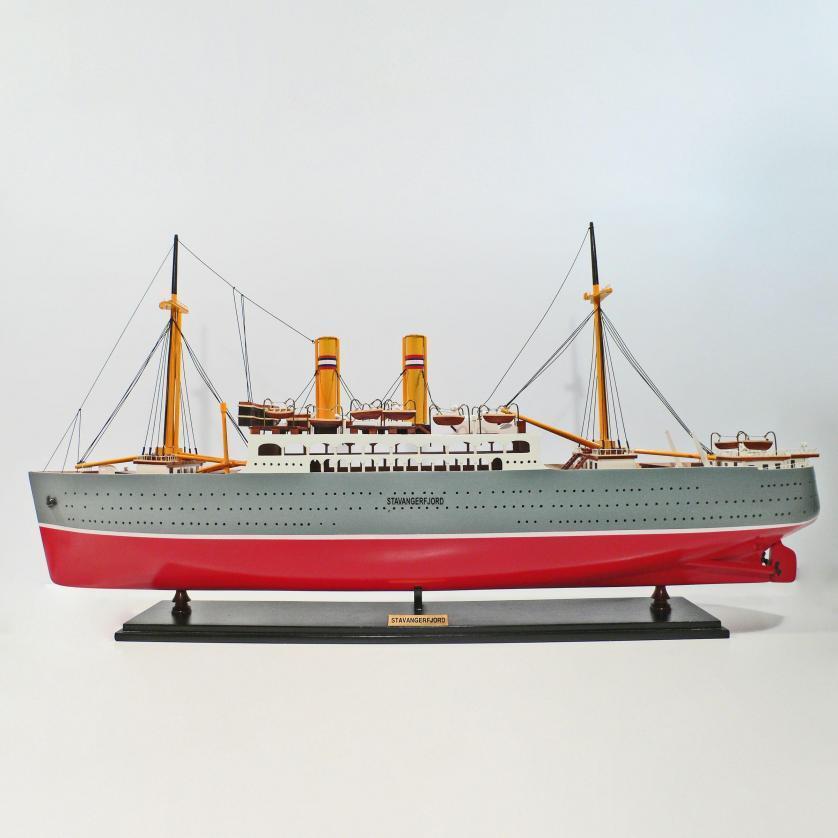 Handgefertigtes Schiffsmodell aus Holz der Stavangerfjord