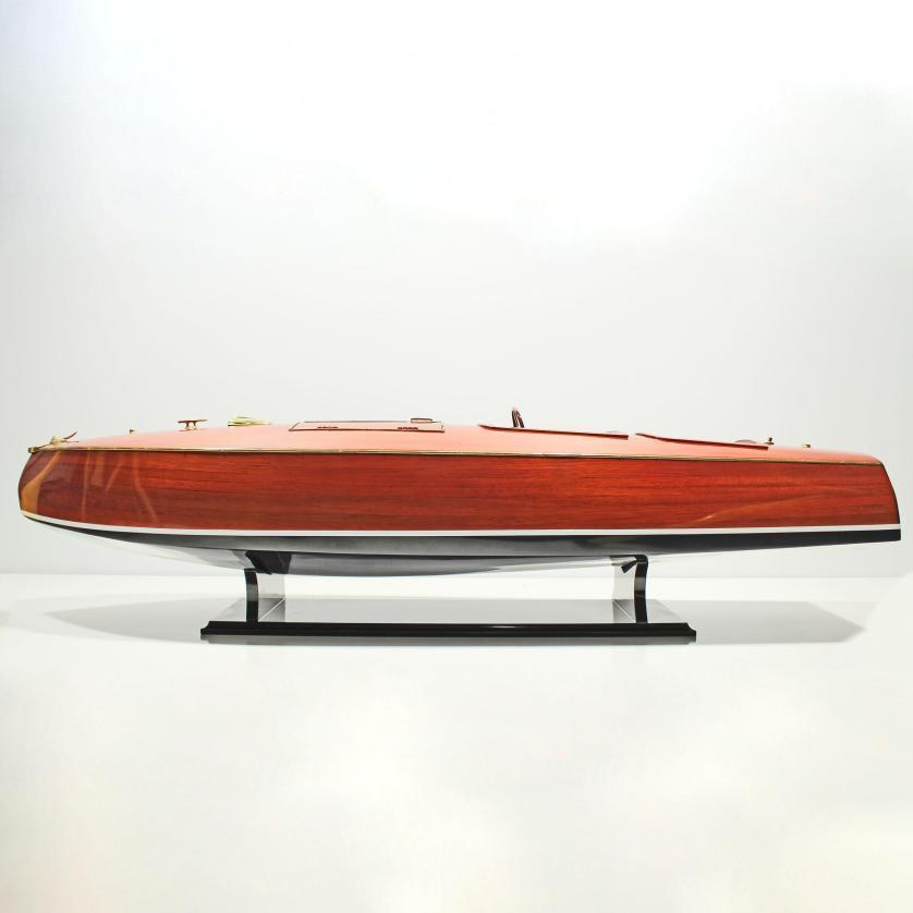 Handgefertigtes Schiffsmodell aus Holz der Zipper Hydroplane