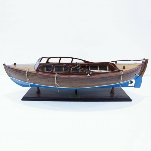 Handgefertigtes Schiffsmodell aus Holz der Snekke